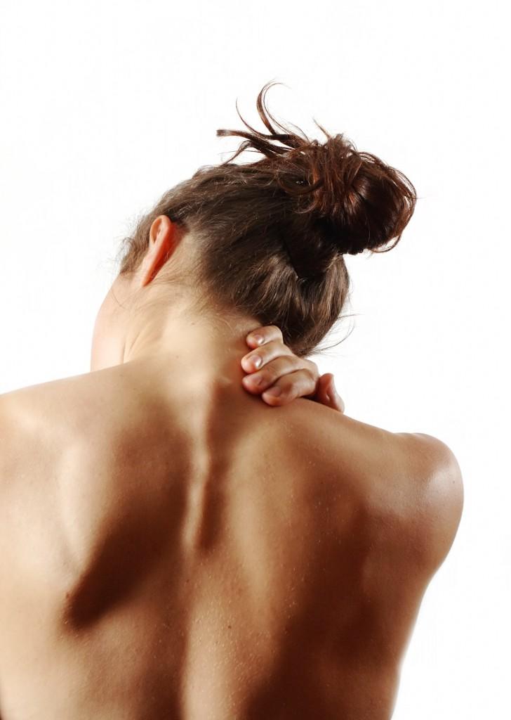 Можно ли свернуть шею самому себе?