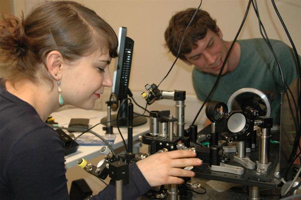 Рассеивающие свет нанопровода помогут улучшить характеристики светодиодов