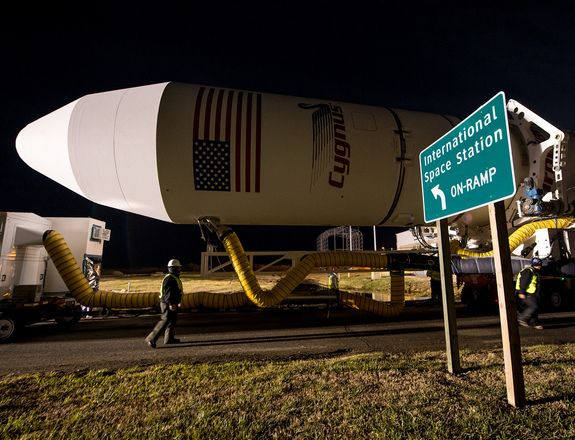 antares-rocket-cygnus-roll-out